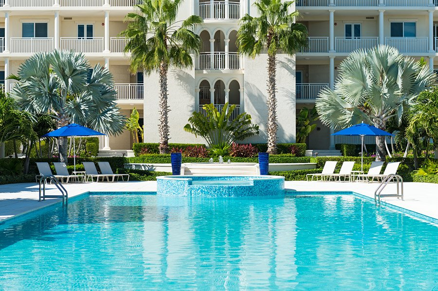 pool: the venetian