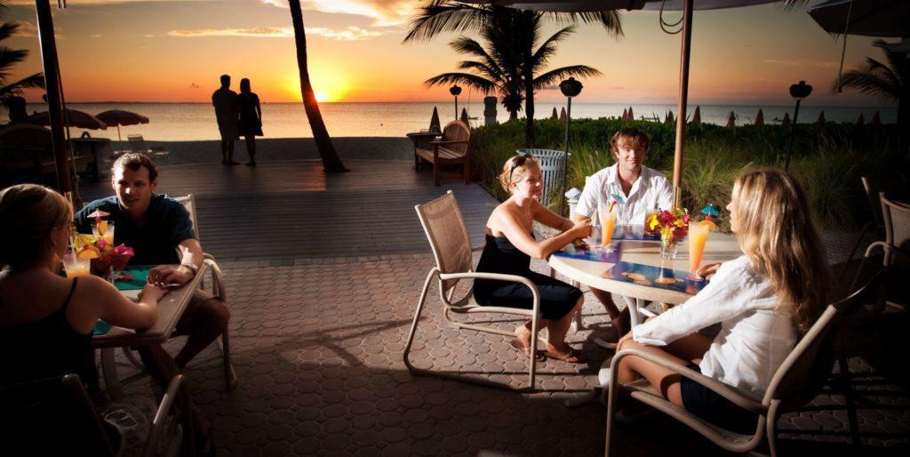 pool cabana bar